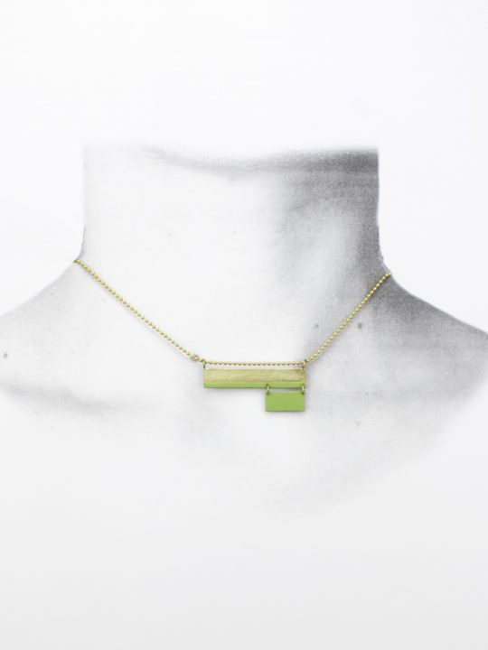 collar_laton_verde_doble